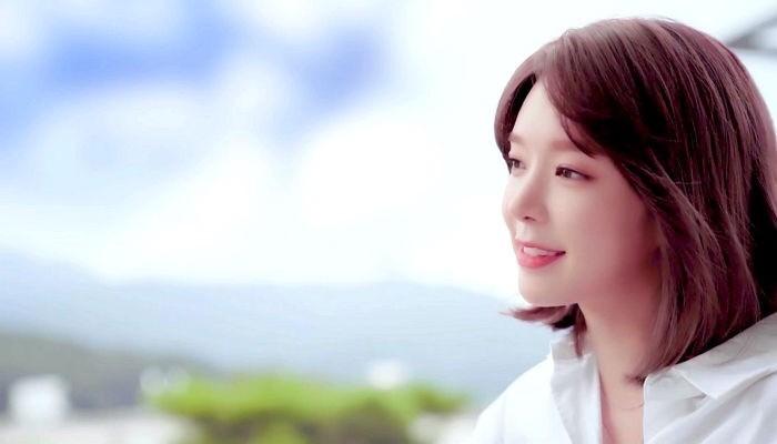 <소식> AOA 출신 초아, 3년만에 복귀해(+유투버)