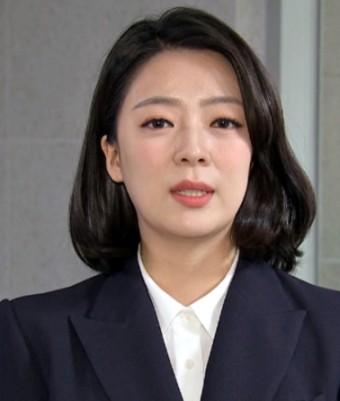 """고민정, 김종인 비판한 배현진 향해 """"격이 딱 그 정도"""""""