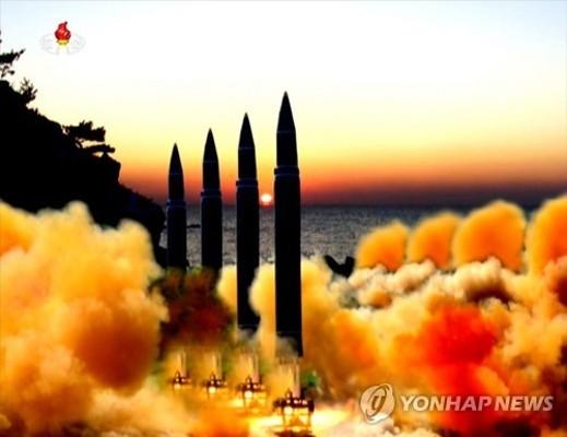 北TV, ICBM급 추정 미사일 4발 동시발사 합성사진 공개