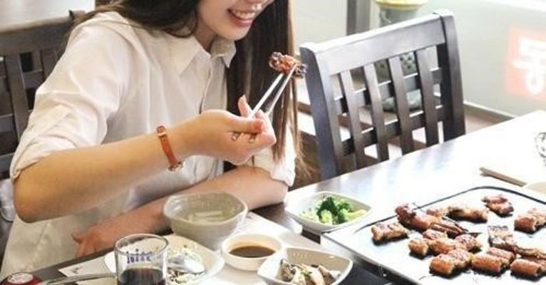 """[1인가구 리포트①] 혼밥·혼술도 OK!…""""외로워도 혼자가 좋다"""""""