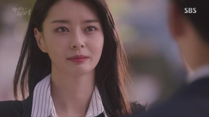 '수상한파트너' 나라, 액션부터 러브라인까지…新걸크러쉬 캐릭터