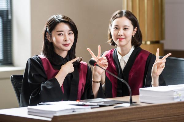 '수상한 파트너' 지창욱-남지현, 깨알같은 장난 비하인드 컷 공개…'사랑스러운 분위기 메이커들'