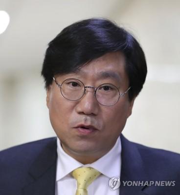 질문에 답하는 양정철 민주연구원장 | 포토뉴스