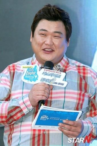 [포토] 김준현 '김자인 옆에서 숨길 수 없는 웃음'