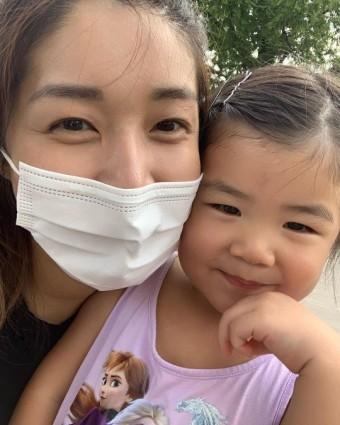 """김빈우, 똑 닮은 딸과 함께 나들이 """"우리딸 행복한 생일주간 끝"""""""