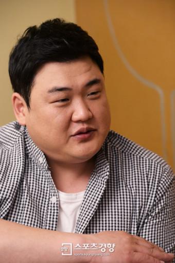 [SK포토]인터뷰에 임하는 김준현