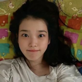 아이유, '따봉 도치'보다 귀여운 이지은의 일상 셀카…'I'm 징니 for your wish'