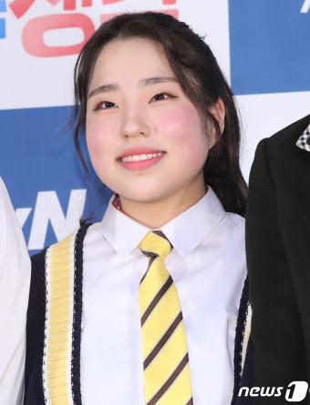 '박종찬 앵커' 딸 박민, 발그레한 두 뺌