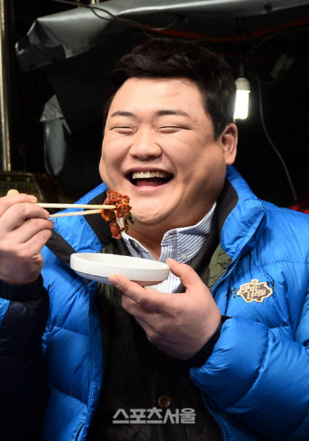 """김준현, 결혼 3년 만 아빠 된다…""""아내 태교 힘쓰는 중"""""""
