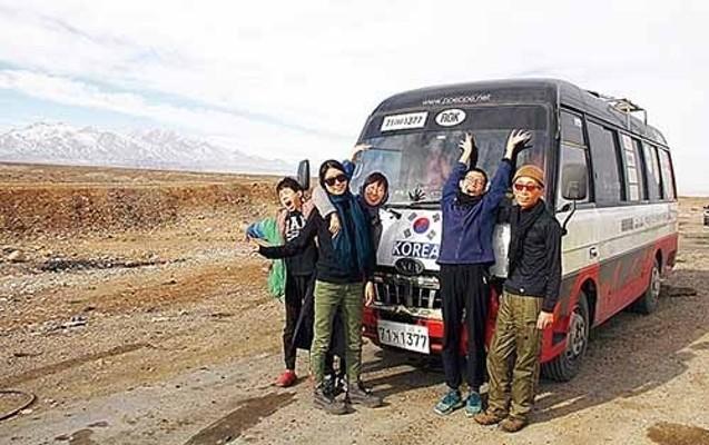 울산 '빼빼가족'의 아시안하이웨이 1년… '348일 대장정' 유라시아 종주 마침표   포토뉴스