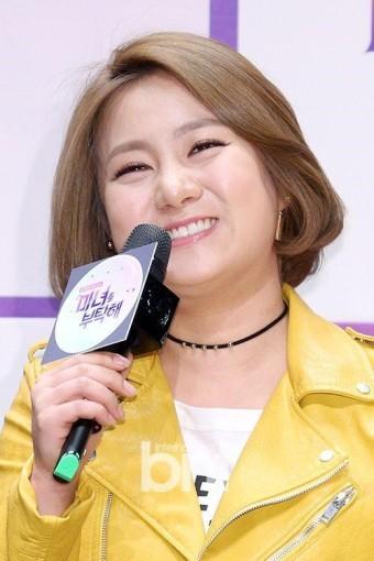 """'마녀를 부탁해' 박나래 """"김수현, 게스트로 온다면 전셋집 뺄 준비 돼있어"""""""