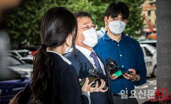 경찰 출석한 화천대유 김만배