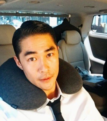배정남, 실제 나이가 '반전'...노안 셀프 고백 | 포토뉴스