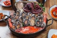 30여 년간의 해녀 경력을 바탕으로 싱싱한 해산물 요리 제공, 제주도 맛집 '대원가'