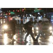 남부지방 물폭탄…이렇게 비가 많이 오는데 장마 아직? 물밤