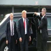 보수정치 지원 재계 거물 찰스 코크 회장, 몰덱스 트럼프에 반기 들다