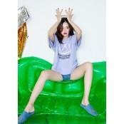 현아, 쩍벌 포즈도 쩍벌 아트…티셔츠 하나로도 섹시 쩍벌 올킬 [화보]