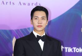 [2021 백상예술대상] 이승기, 유재석·신동엽 제치고 예능상
