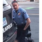 플로이드 다른 각도 경찰수갑 영상…몸 누른 경찰 경찰수갑 1명 아닌 3명이었다 경찰수갑