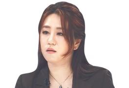 '오락가락' 조성은, 출국 앞두고 이번엔 인터뷰 중단 선언