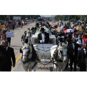 '인종적 정의' 일깨우고…플로이드, 휴스턴 휴스턴서 영면