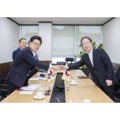 조명래 환경부 장관, 도미타 코지 주한 일본대사 일본 접견