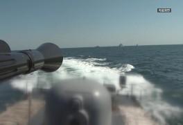 여객선 100m 앞 포탄