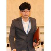 文, '여성 비하' 논란 속 여성콘돔 탁현민 청와대 의전비서관 발탁