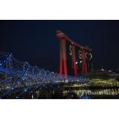 코로나19 응원 불빛 켜진 싱가포르 마리나베이샌즈 마리나베이샌즈 리조트