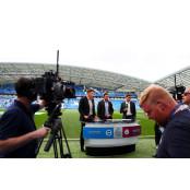아직 갈 길이 해외축구분석사이트 먼 축구산업: 중계권 해외축구분석사이트 [최호영의 축구행정]