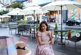 '송도 사모님' 현영, 멀리서도 눈에띄는 남다른 패션센스...포인트는 핑크[TE...