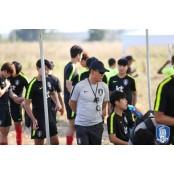 김학범 호, 일본 산프레체 히로시마와 연습경기 0-4 산프레체히로시마 패