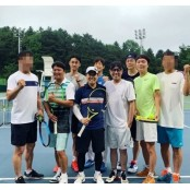 윤종신, 신정환 근황 공개…테니스에 빠졌다?