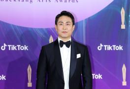 [57회 백상] 오정세, TV부문 男조연상 수상…김수현-서예지에 감사