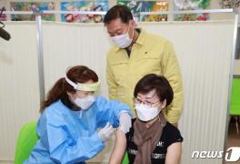 진안군, 고3·교직원 350명 백신 접종 '순조'…30일까지 접종