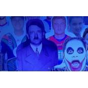 경기장 관중석에 히틀러 러브돌 입간판 등장...세계가 발칵 러브돌