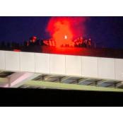무관중 경기 보기 위해 지붕 올라가 응원한 FC포르투 FC포르투 팬들