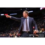 [오늘의 NBA] (2/26) MIL 마이크 부덴홀저 감독의 파스칼 승리 설계