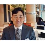 """[김근한의 골든크로스] 안치홍 """"스윙 하나·땀 크로스배팅 한 방울 더, 그게 내 크로스배팅 방식"""""""