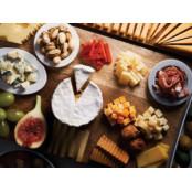 연말 파티를 위한 치즈, 소시지, 황금알치즈볼 순대 음식점