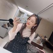 '정진운♥' 경리, 땡땡이 윙크티비 무늬 원피스 입고 윙크티비 상큼하게 윙크[SNS★컷]
