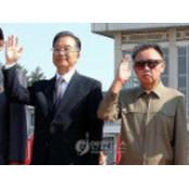 """조선신보, 北김정일 """"정력적인"""" 정력재 모습 강조"""