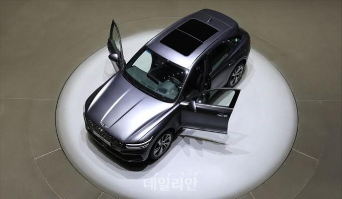 <포토> 제네시스 중형 SUV 'GV70' 공개 | 포토뉴스