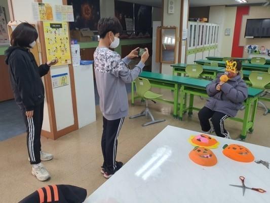 언택트로 열린 '상진 복면 가왕' 행사 눈길 | 포토뉴스