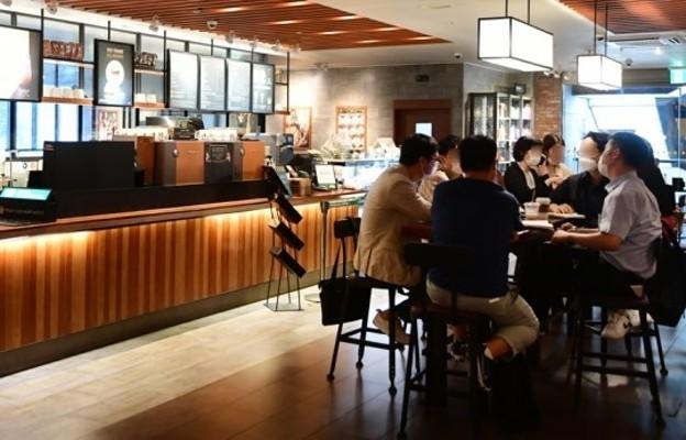 '코로나 2단계' 카페ㆍ결혼식ㆍ피시방(PC방)ㆍ노래방ㆍ헬스장, 무엇이 달라지나 | 포토뉴스