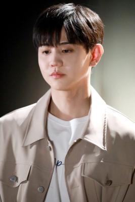 [비하인드] #35. MC 양요섭 MU : TALK LIVE 비하인드!  | 포스트