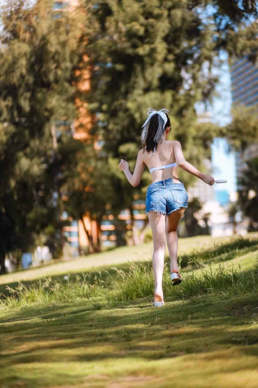"COSER女菩萨""鳗鱼霏儿"" 海边比基尼写真在线看-写真-『游乐宫』Youlegong.com 第20张"
