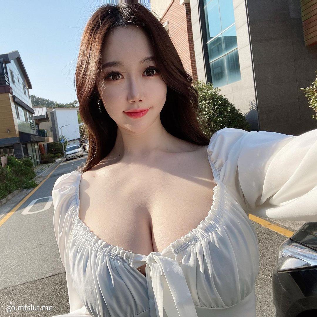 妹子图日刊 — 20210411