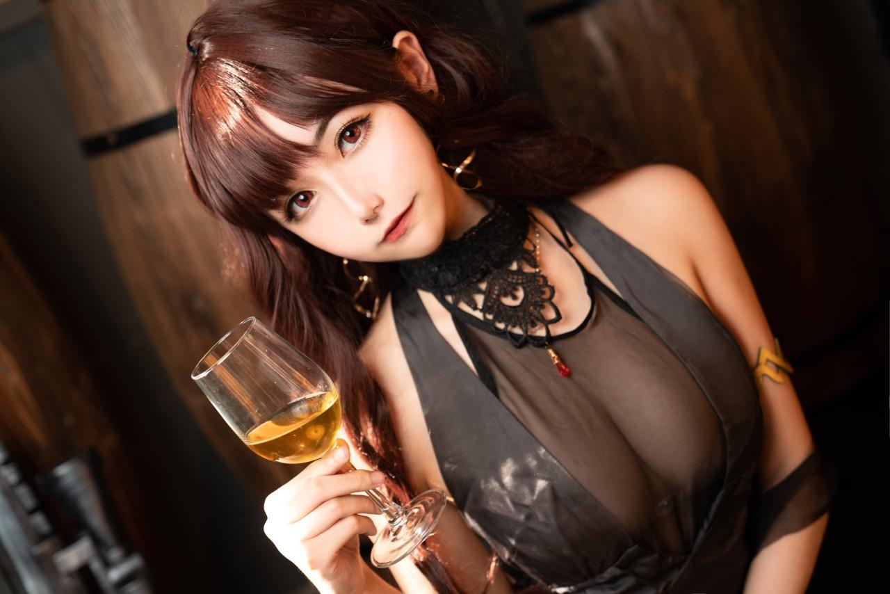 Momoko葵葵-DSR50&HK416两套诱惑写真图片