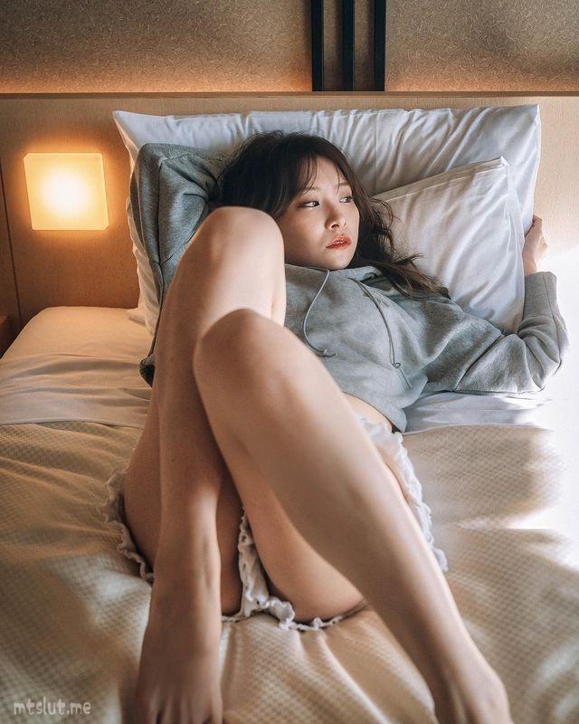 妹子图日刊 — 20210421